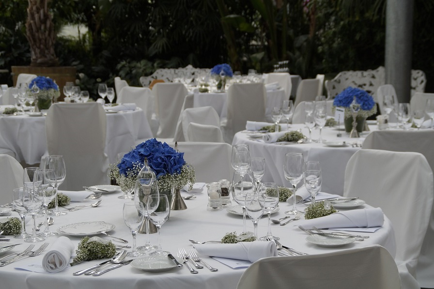 voltaire wedding, wedding website, wedding table