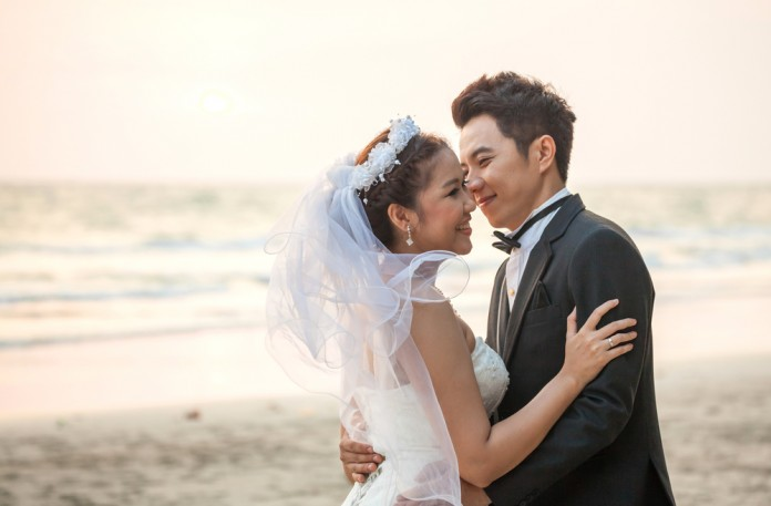 7 Tips For Planning A Small Courthouse Wedding: 7 Tips For Planning A Marvellous Beach Wedding