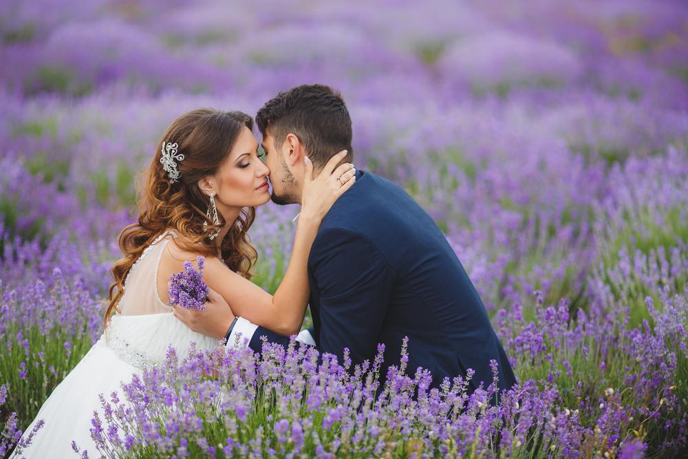 8 Essential Destination Wedding Planning Tips