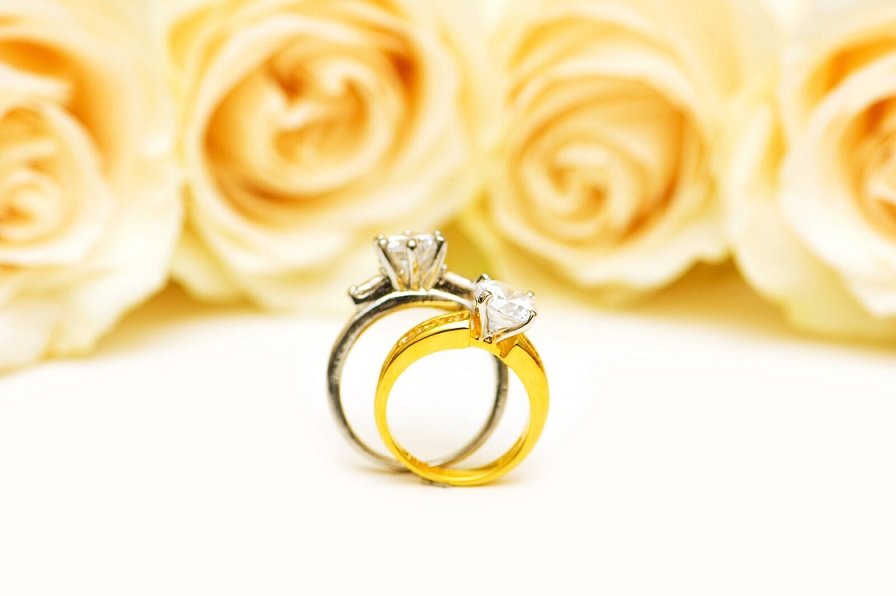 The Dos and Don ts of Buying an Engagement Ring Voltaire Weddings